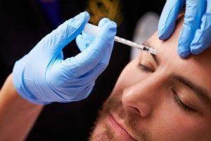 Injection d'acide hyaluronique et Botox pour les hommes à Paris - Victoire Haussmann